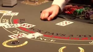black jack table cartes jetons